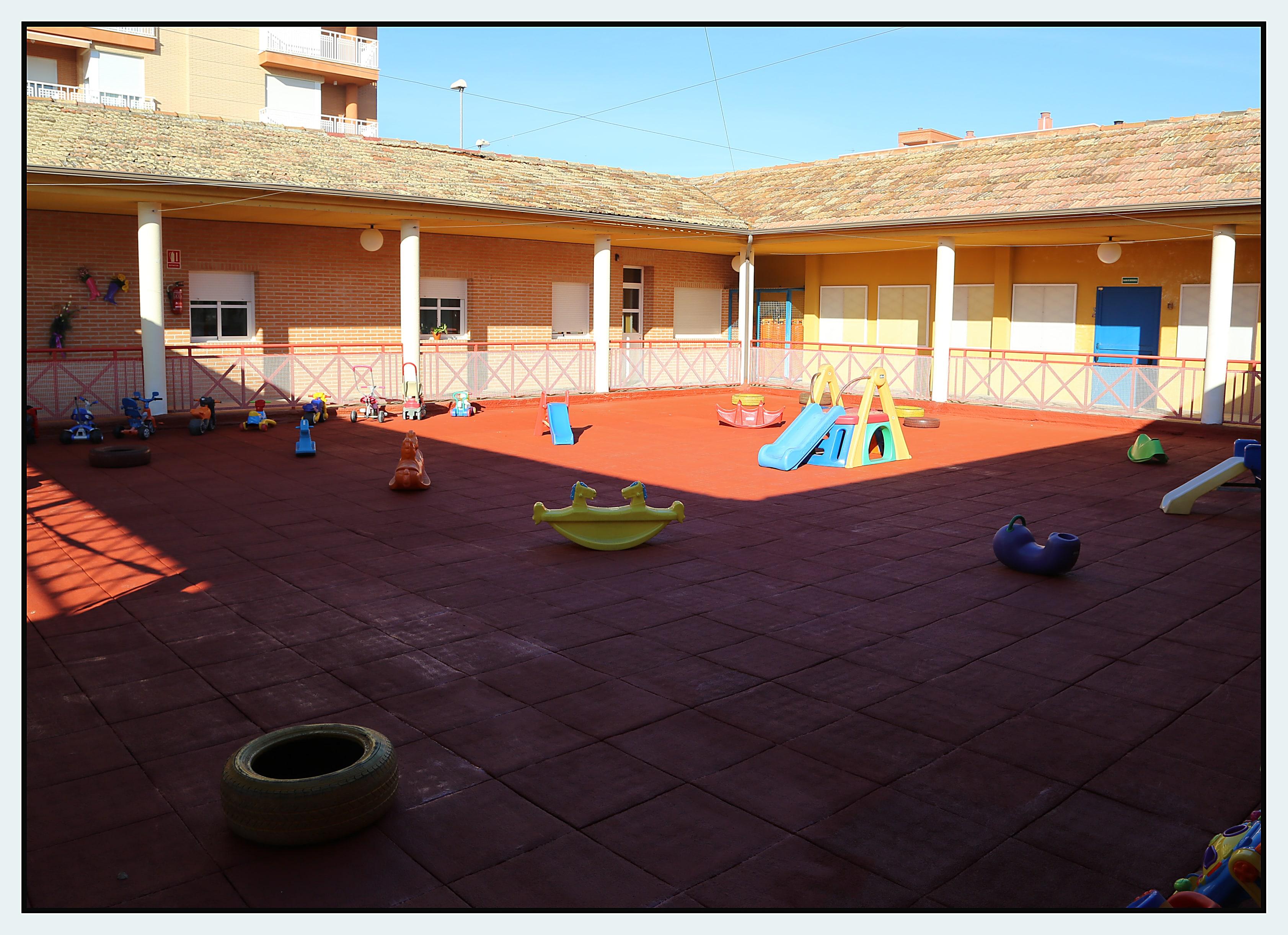 patio1-min